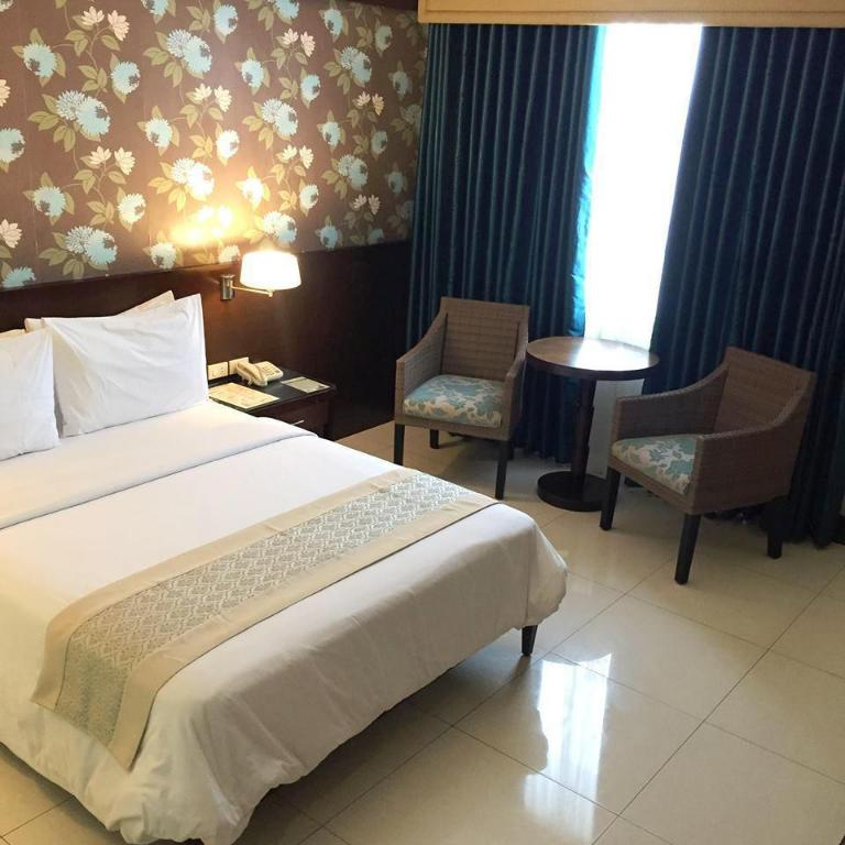 SMALLVILLE 21 HOTEL in Iloilo - Room Deals, Photos & Reviews