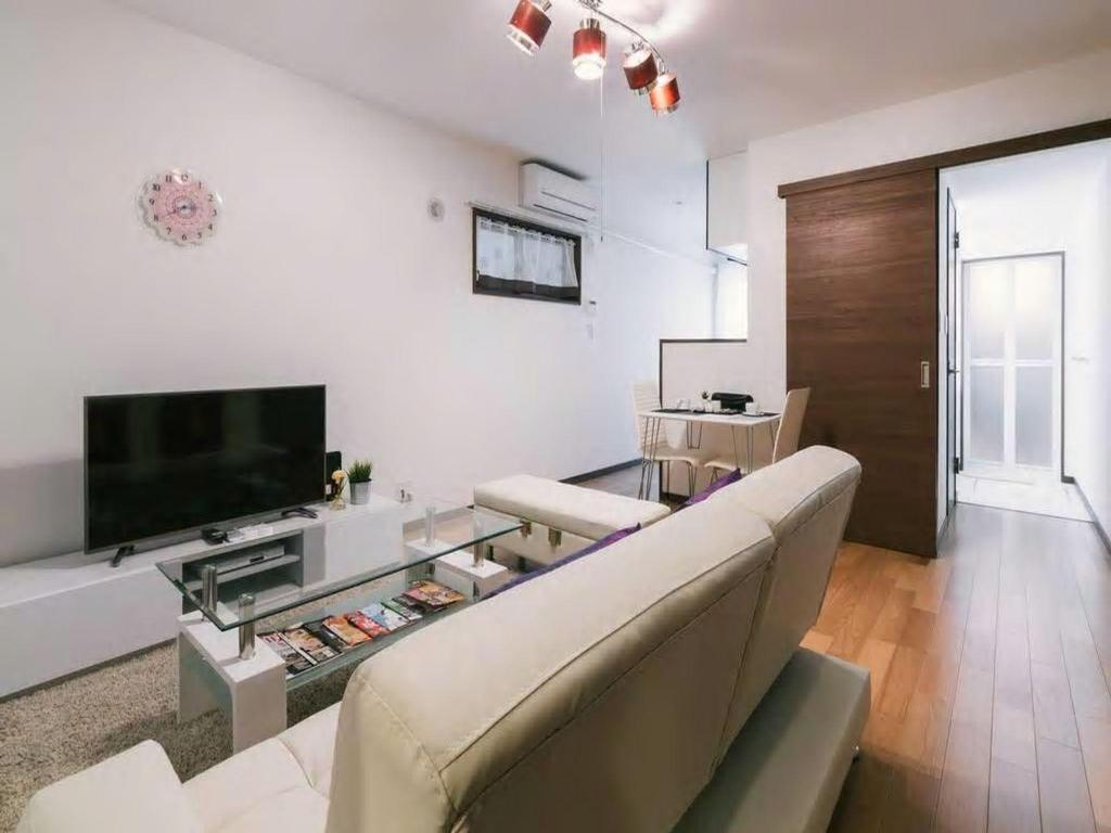 Comfortable 1 Bedroom Apt near Tenjin & Hakata A