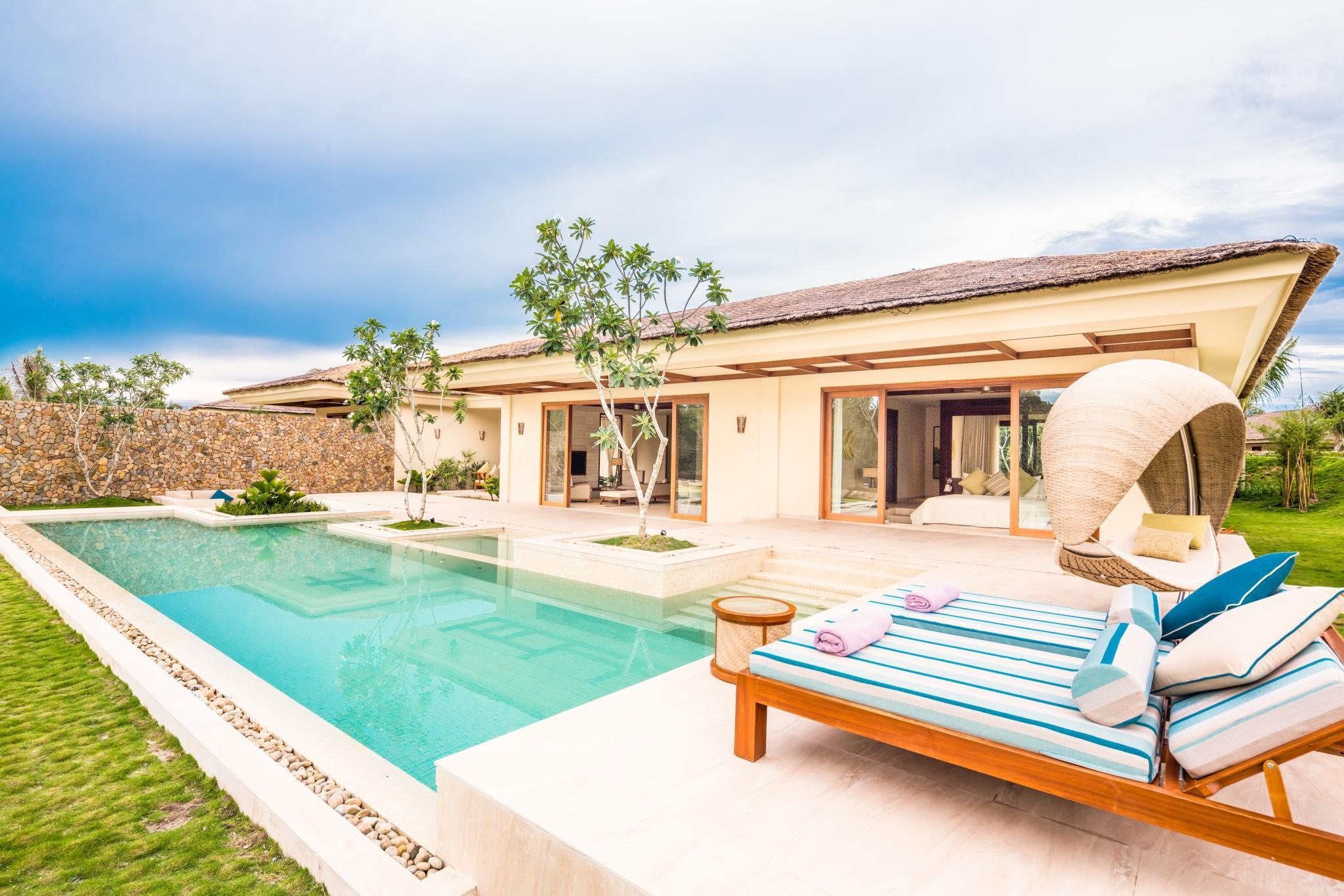 2-Bedroom Ocean Villa with Pool - All Spa treatment included
