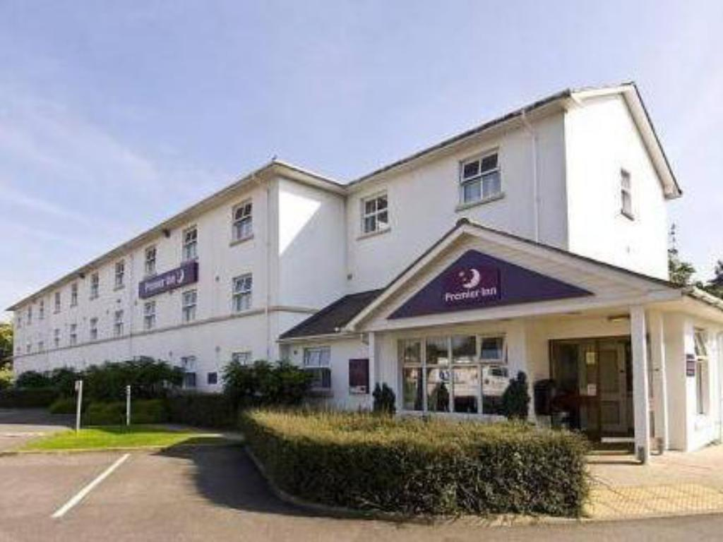 More about Premier Inn Cheltenham Central