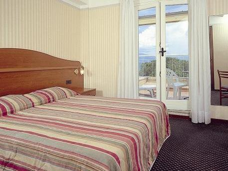 Double Room with Lake View and Balcony