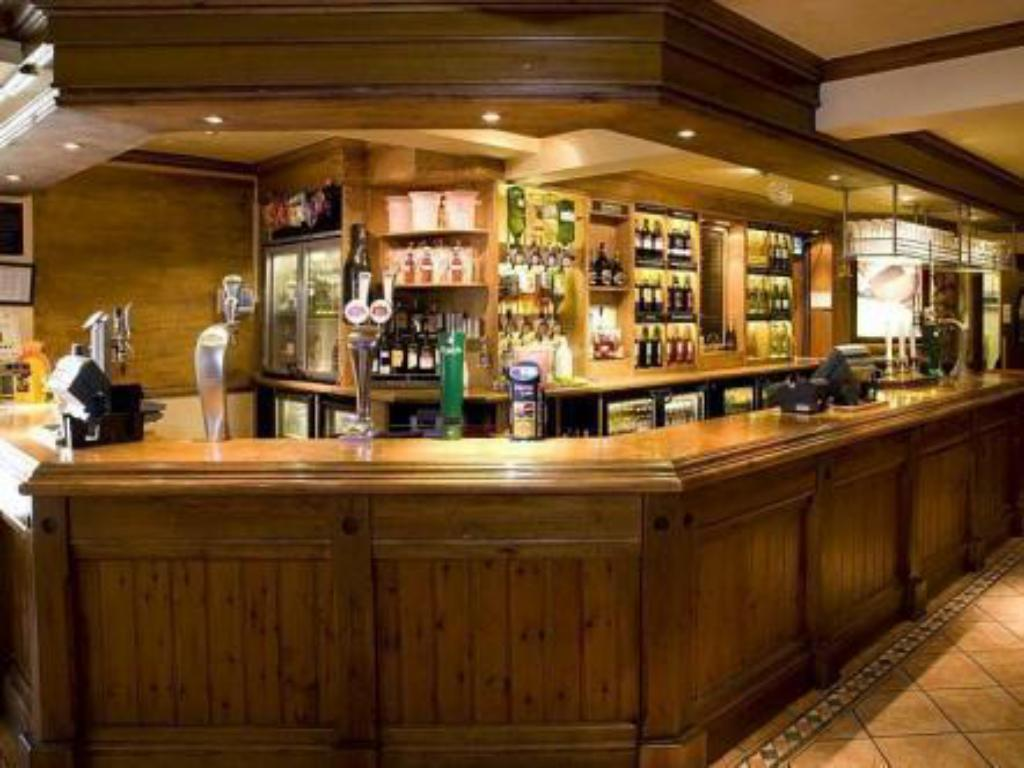 Bar/lounge Premier Inn Epsom Central