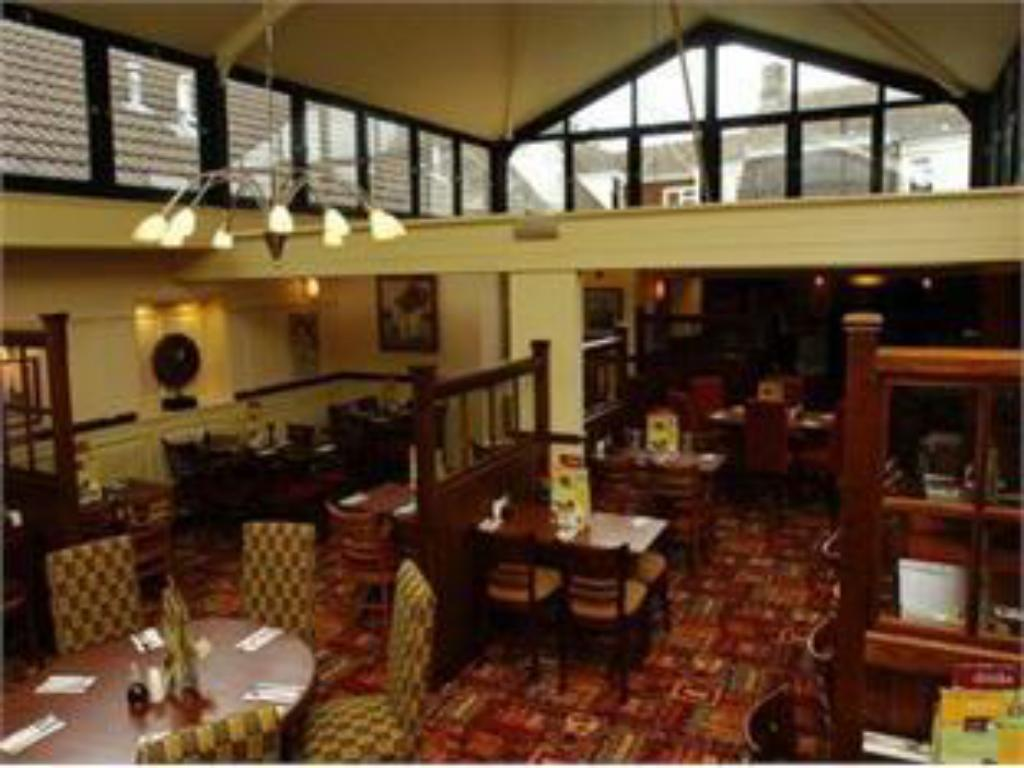 Restaurante Premier Inn Halifax South