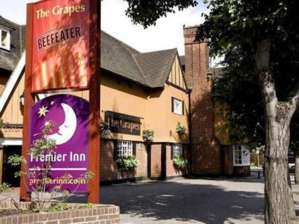 Premier Inn London Hayes, Heathrow (North A4020)