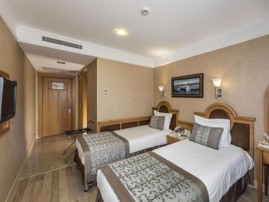 Single - Guestroom Zagreb Hotel