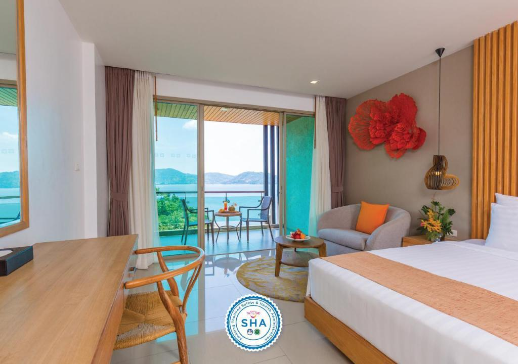 Deluxe Room King - View Wyndham Grand Phuket Kalim Bay