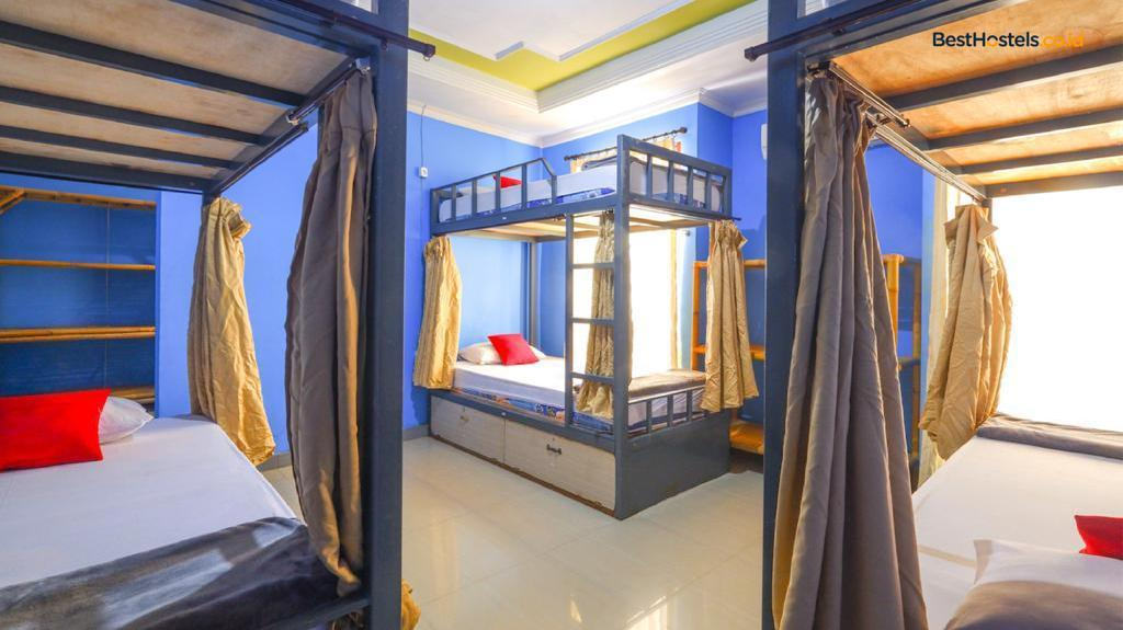 1 Person in 10-Bed Dormitory - Mixed - Bed