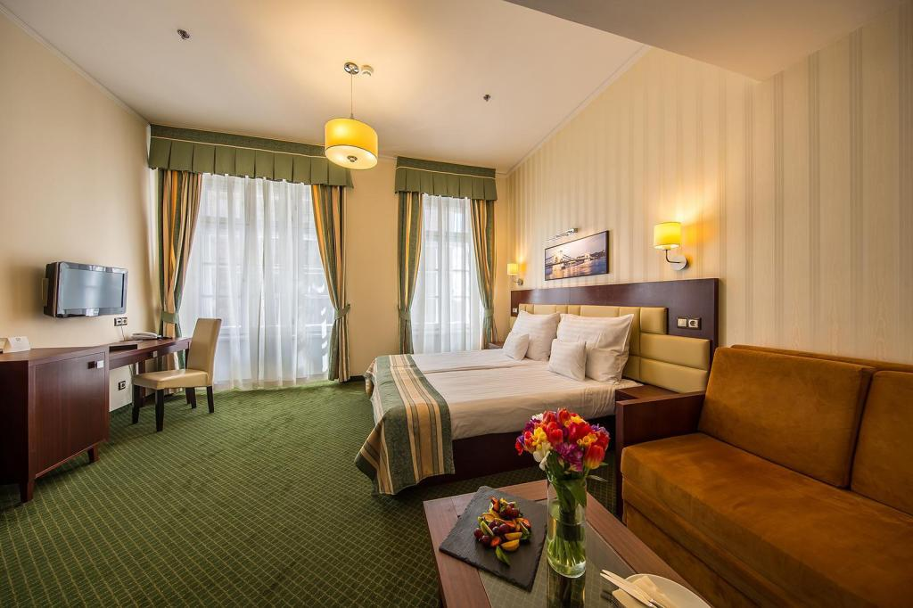 Double Room - Bed Hotel President
