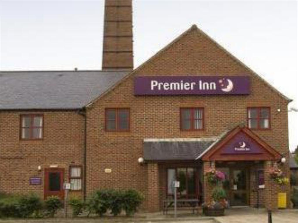 More about Premier Inn Leeds South - Birstall