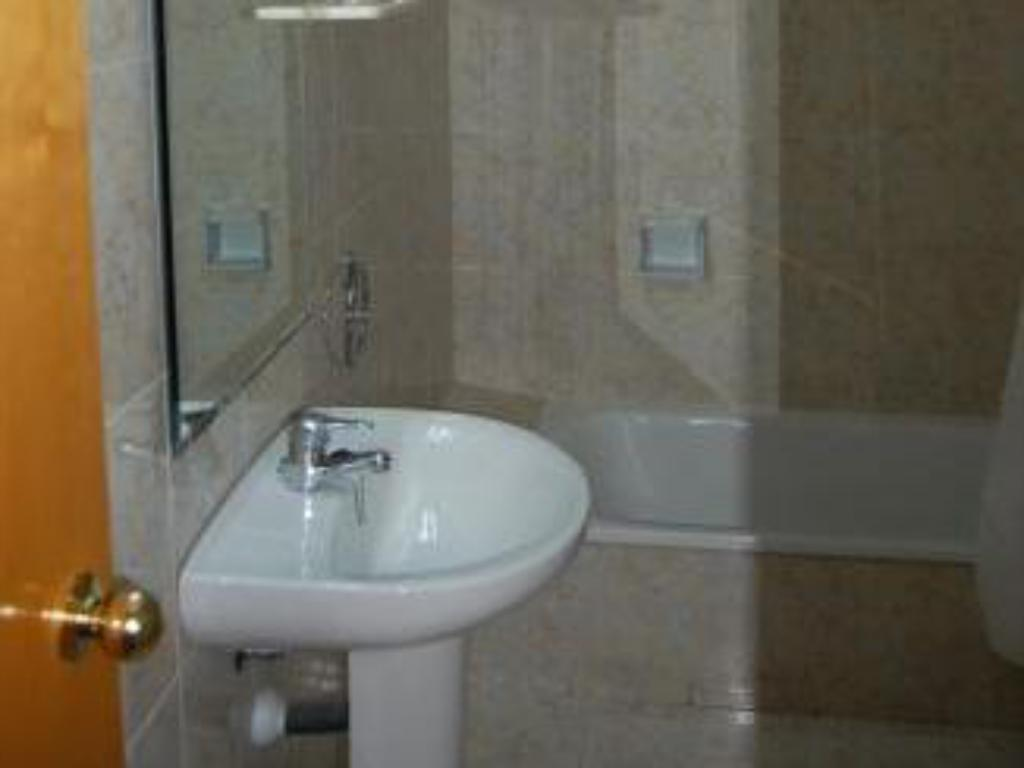 Double / Twin Room - Bathroom Hotel Castella