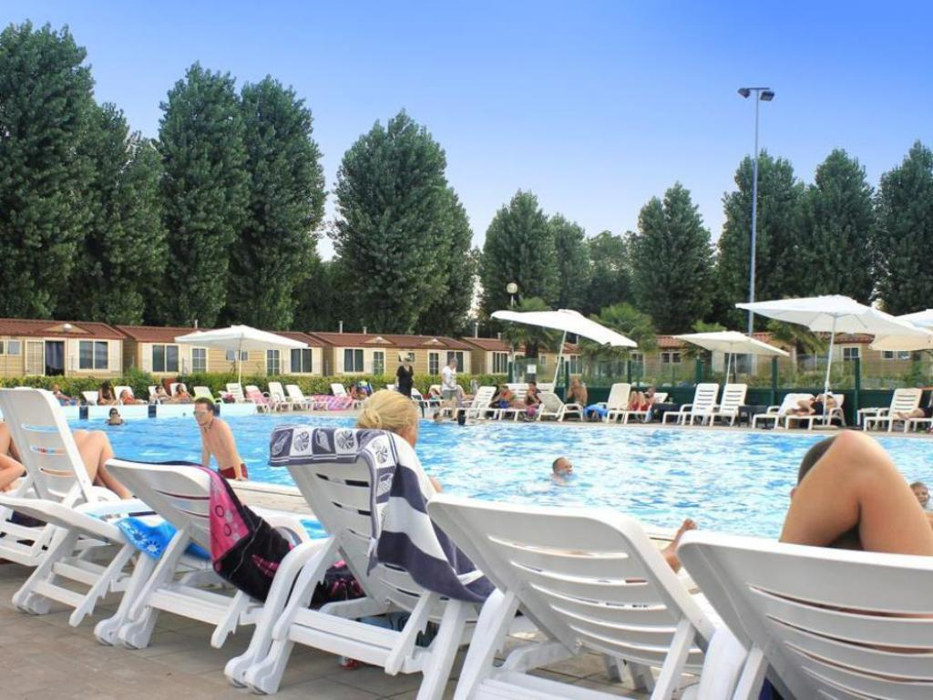 Piscina Camping Village Jolly