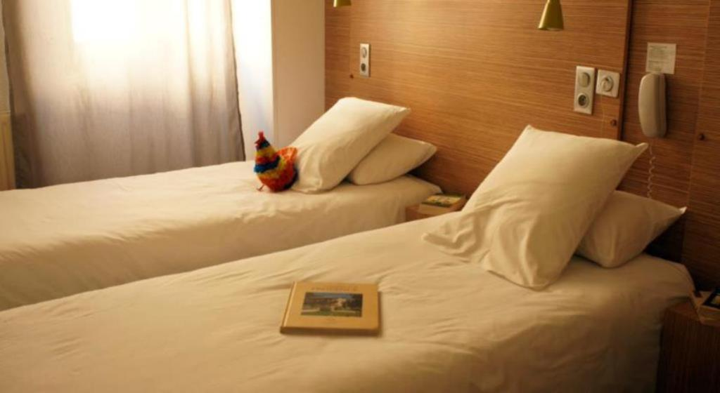 Twin Room - Bed Hotel Edmond Rostand