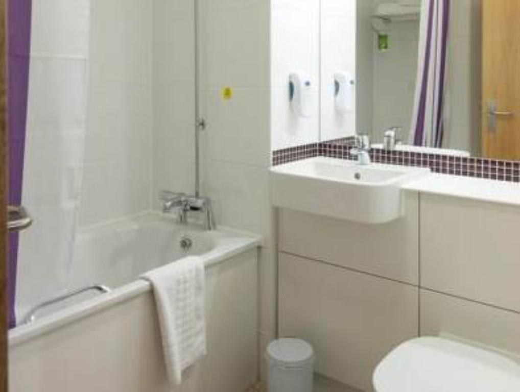 Bathroom Premier Inn Northwich South