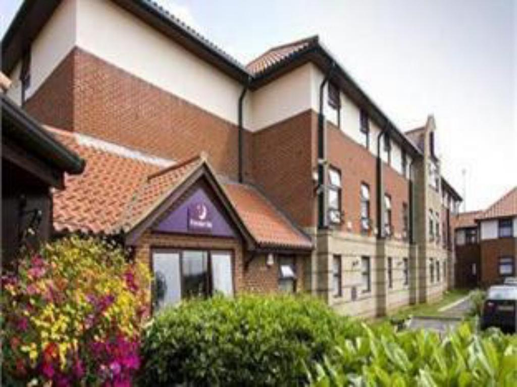 Exterior view Premier Inn Oxford