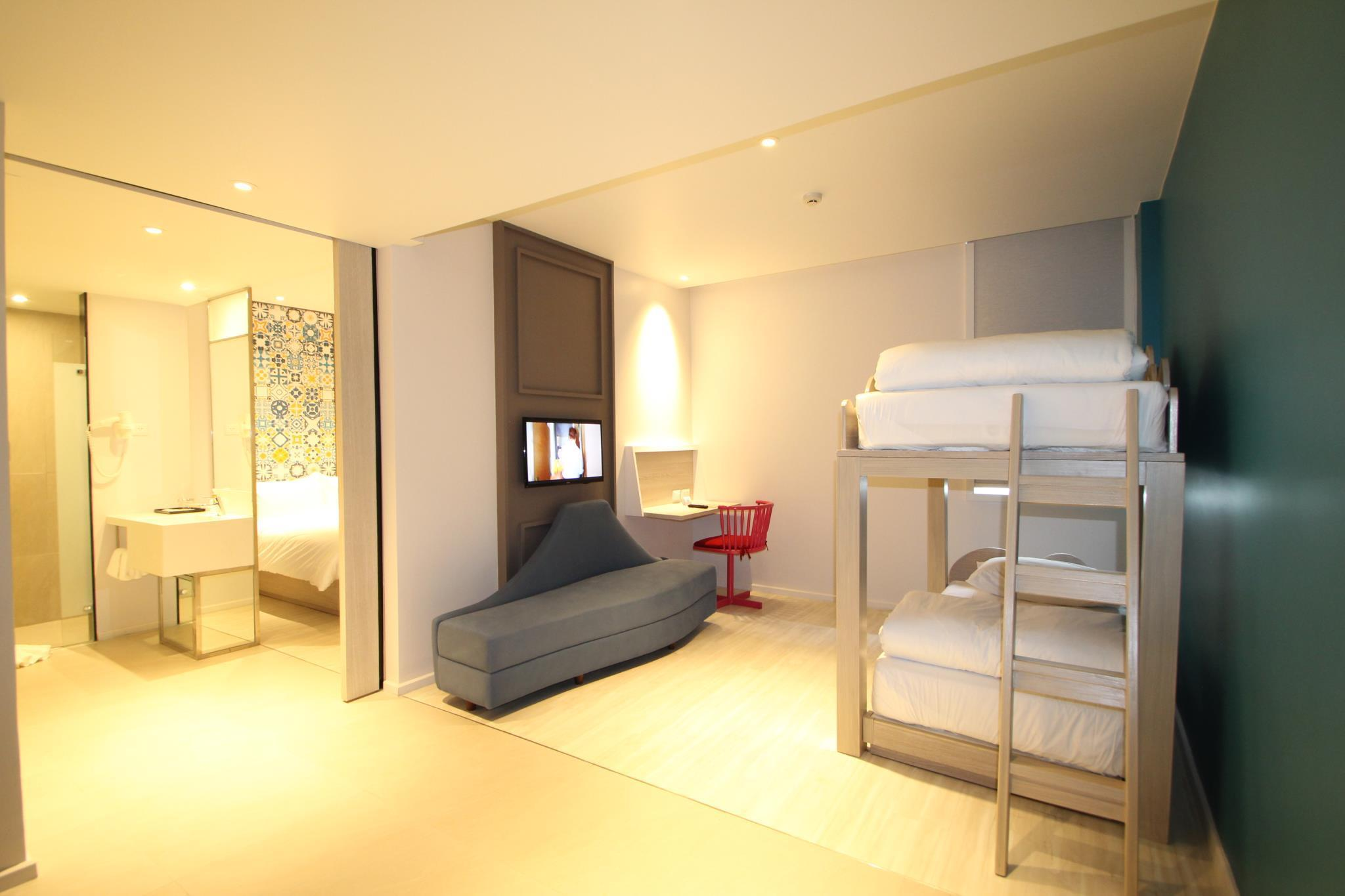 Suite 1Db + 2 Sg beds Std