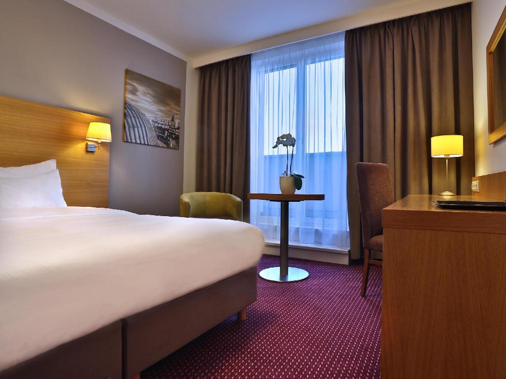 Double Room - Guestroom Jurys Inn Prague