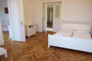 Appartamento Trilocale (Three Room Apartment)