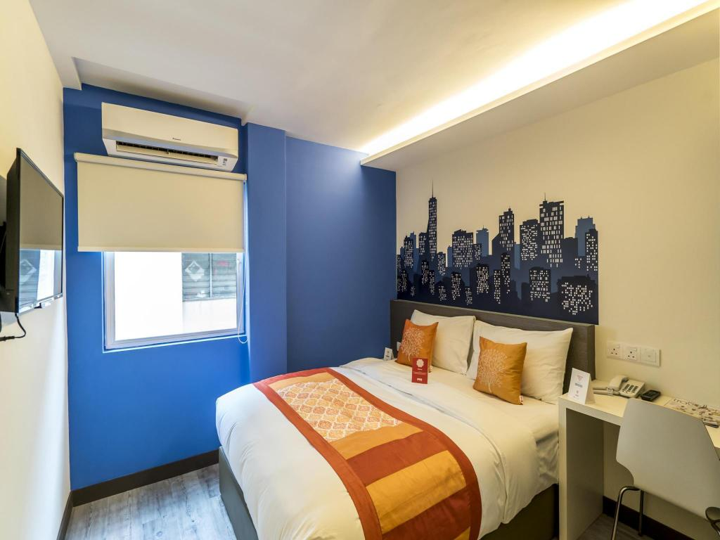 Double or Twin Room with Private Bathroom OYO 264 City Edge Hotel
