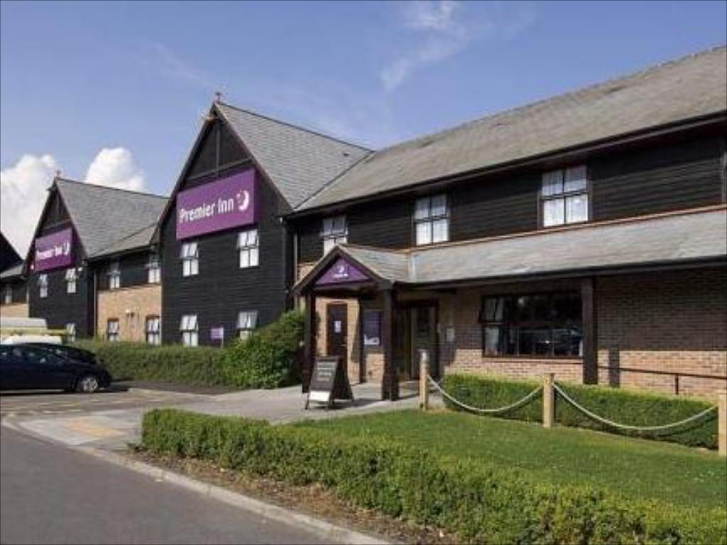 More about Premier Inn Salisbury North