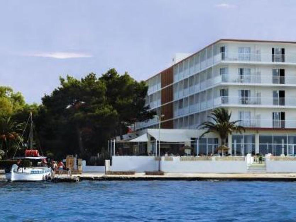 More about azuLine Hoteles Mar Amantis I & II
