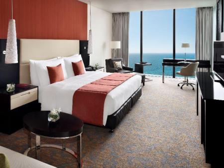 Deluxe King Ocean View Movenpick Hotel Colombo