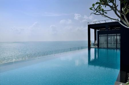 Swimming pool [outdoor] Movenpick Hotel Colombo
