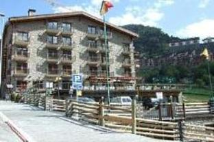 Special Offer - Double or Twin Room with Skipass Grandvalira