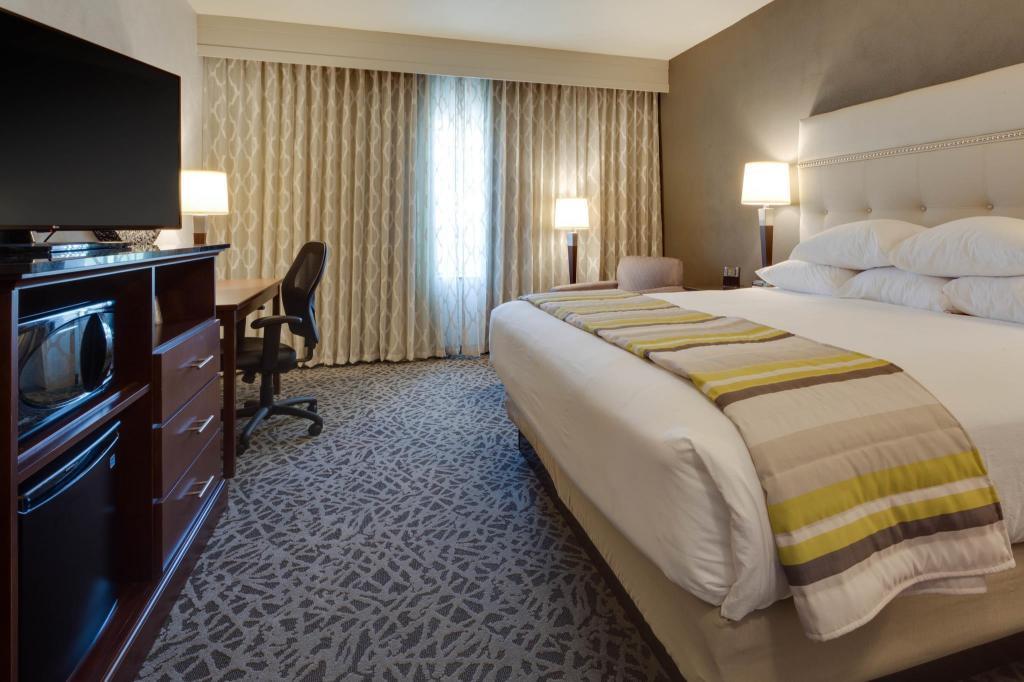 drury plaza hotel cape girardeau conference center in cape. Black Bedroom Furniture Sets. Home Design Ideas