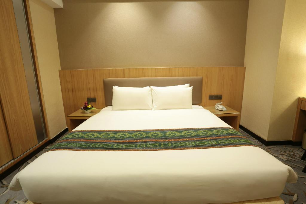 Standard King (No Window) - Bed Imperial Riverbank Hotel