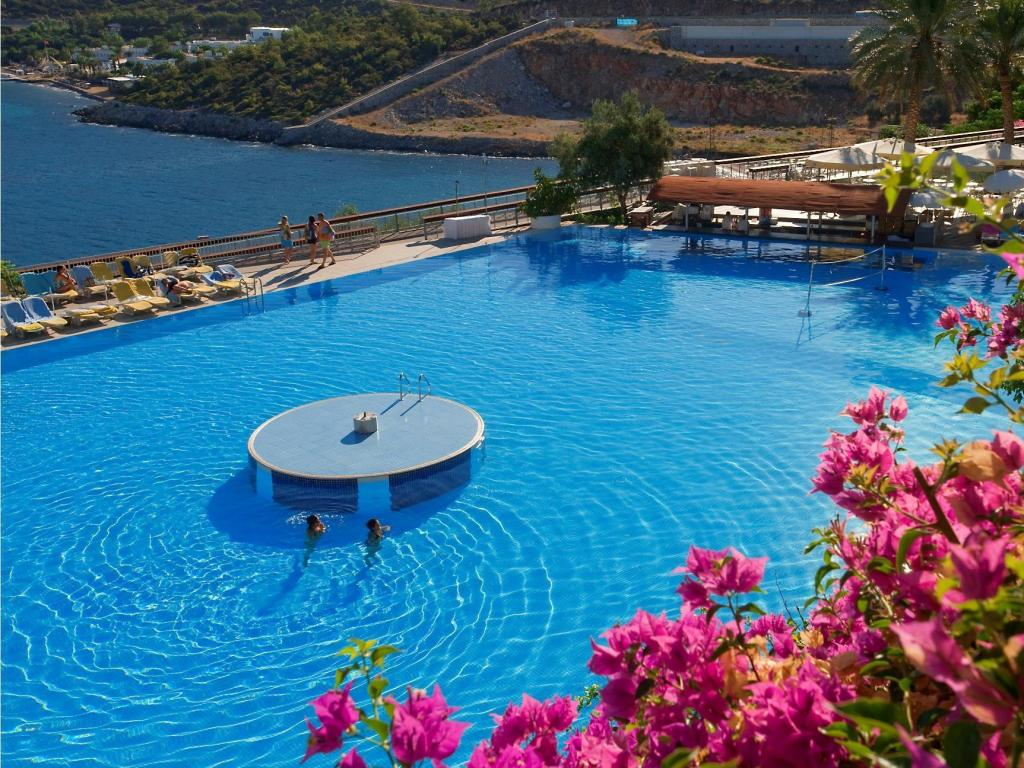 Swimming pool Kervansaray Bodrum Resort Hotel