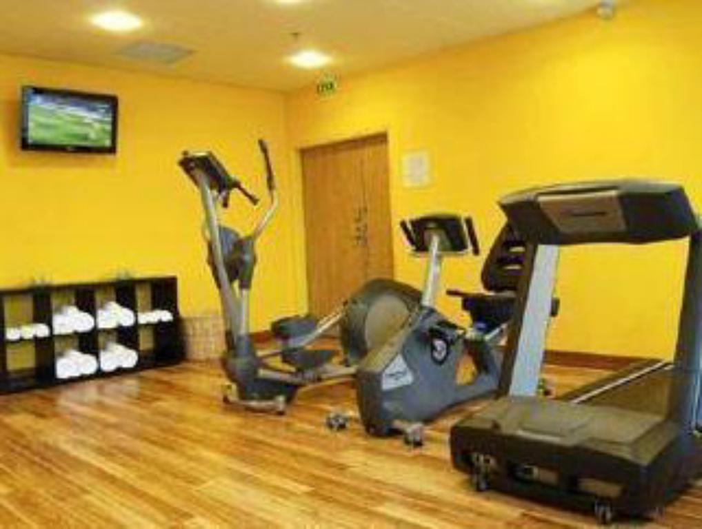 Fitness center Courtyard by Marriott Toulouse Airport