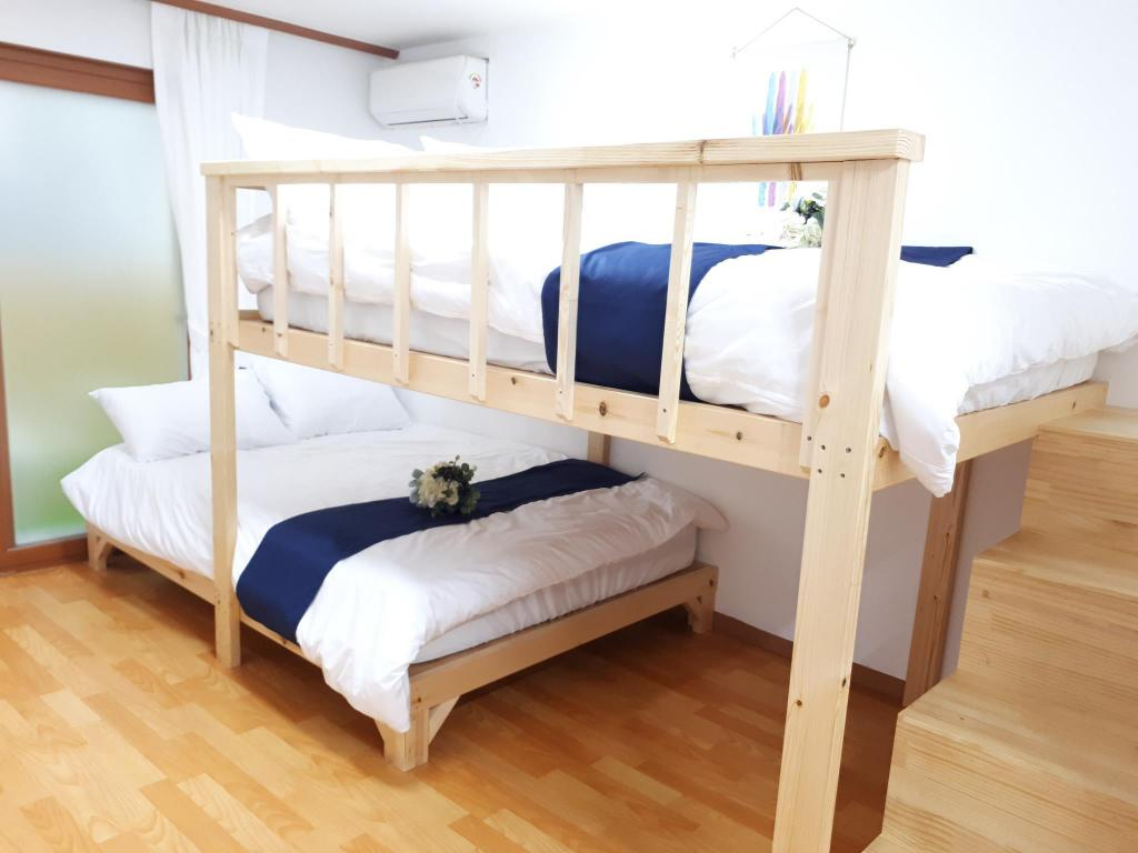 2 Double Beds Room - Bed With Us Guesthouse