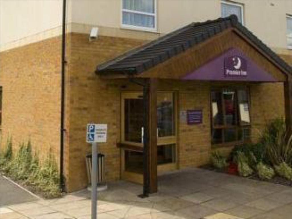 Inngang Premier Inn Wakefield City North