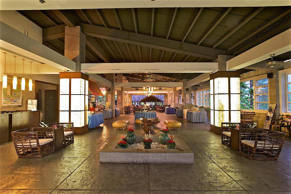 Lobby Papago International Resort Palau