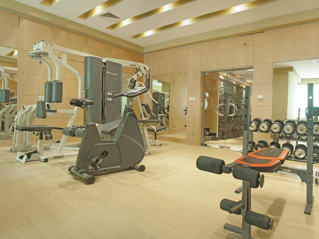siłownia/sala do fitnessu Boutique 7 Hotel & Suites