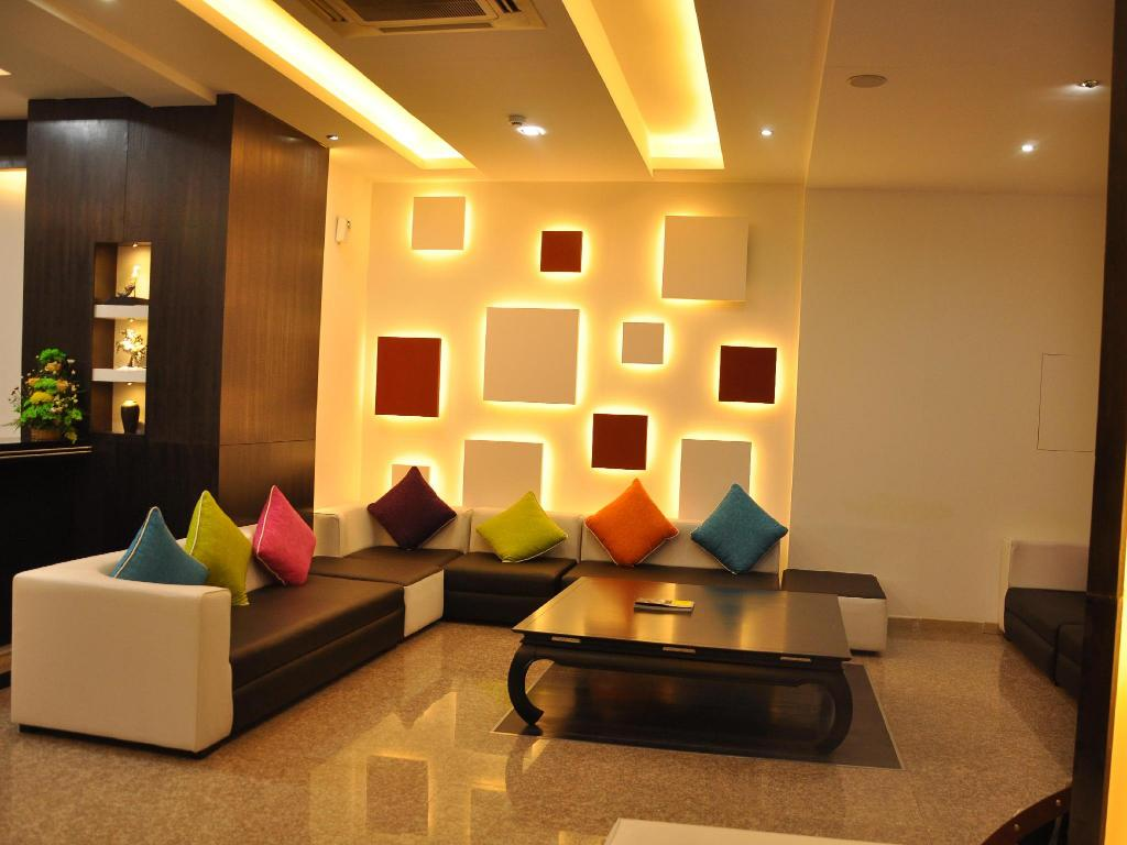 Lobby Crystal Suites