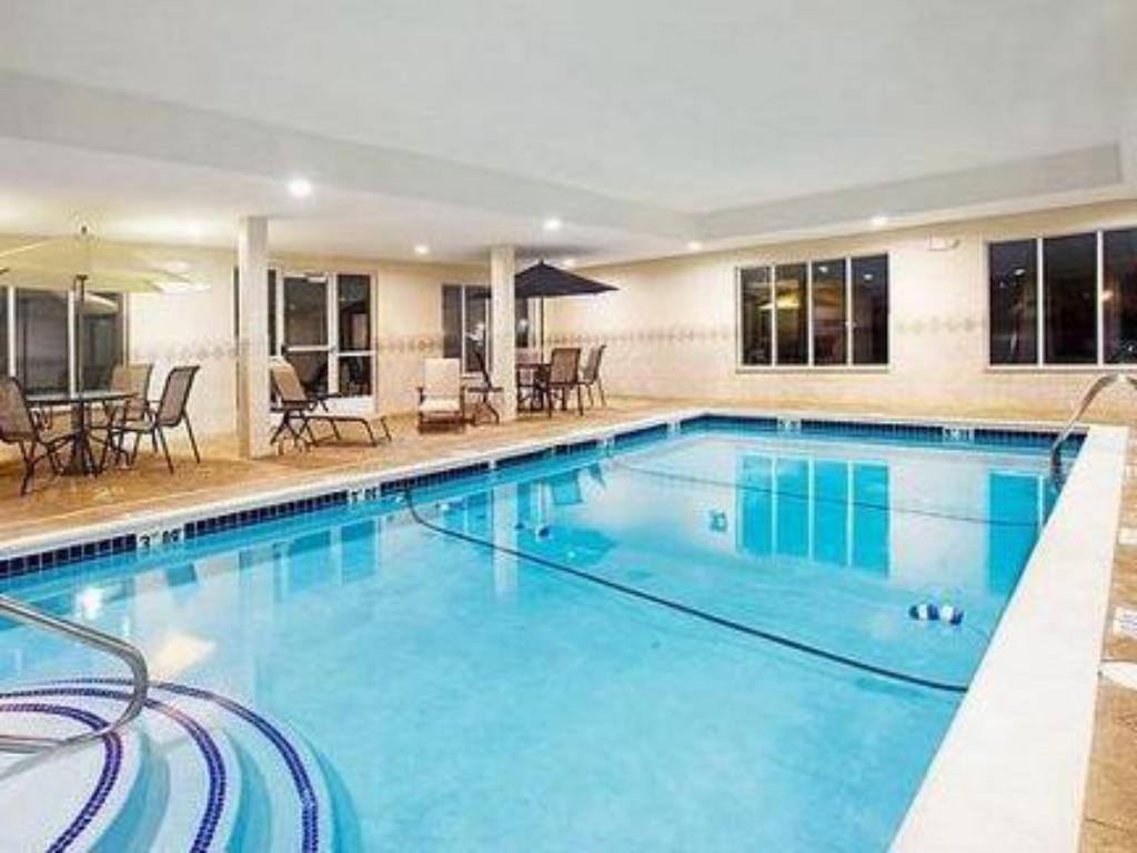 Swimmingpool Holiday Inn Express Hotel & Suites Chicago South Lansing