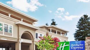 Holiday Inn Express Hotel & Suites Santa Cruz