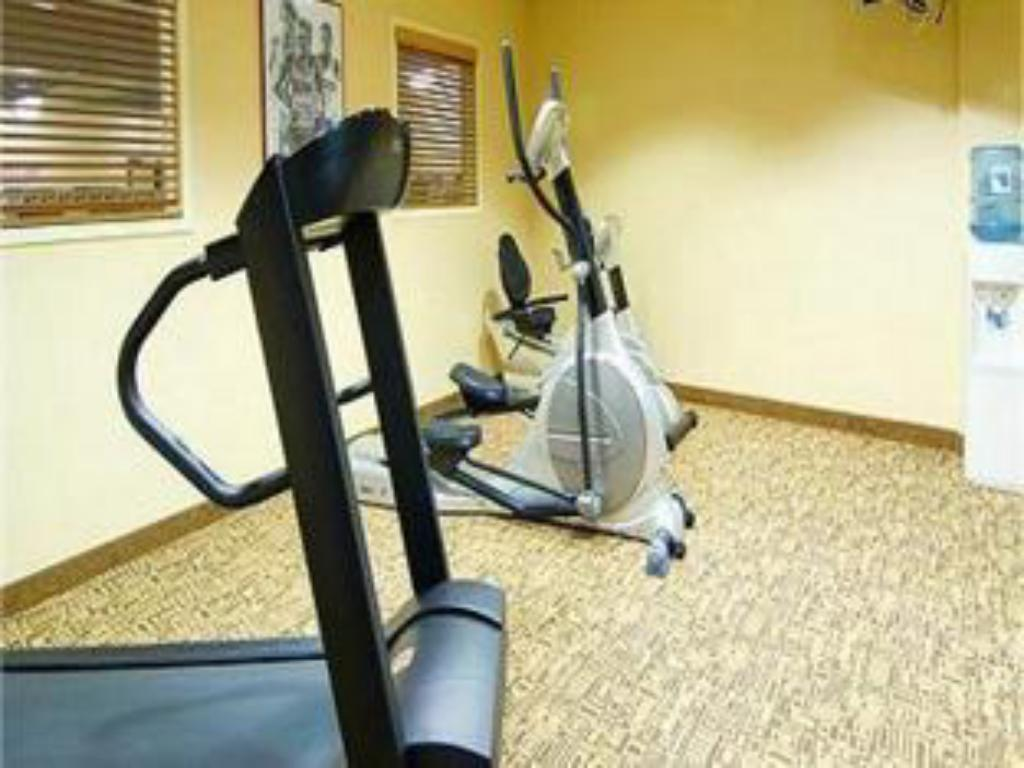 Fitness center Holiday Inn Express Hotel & Suites Eugene Downtown - University