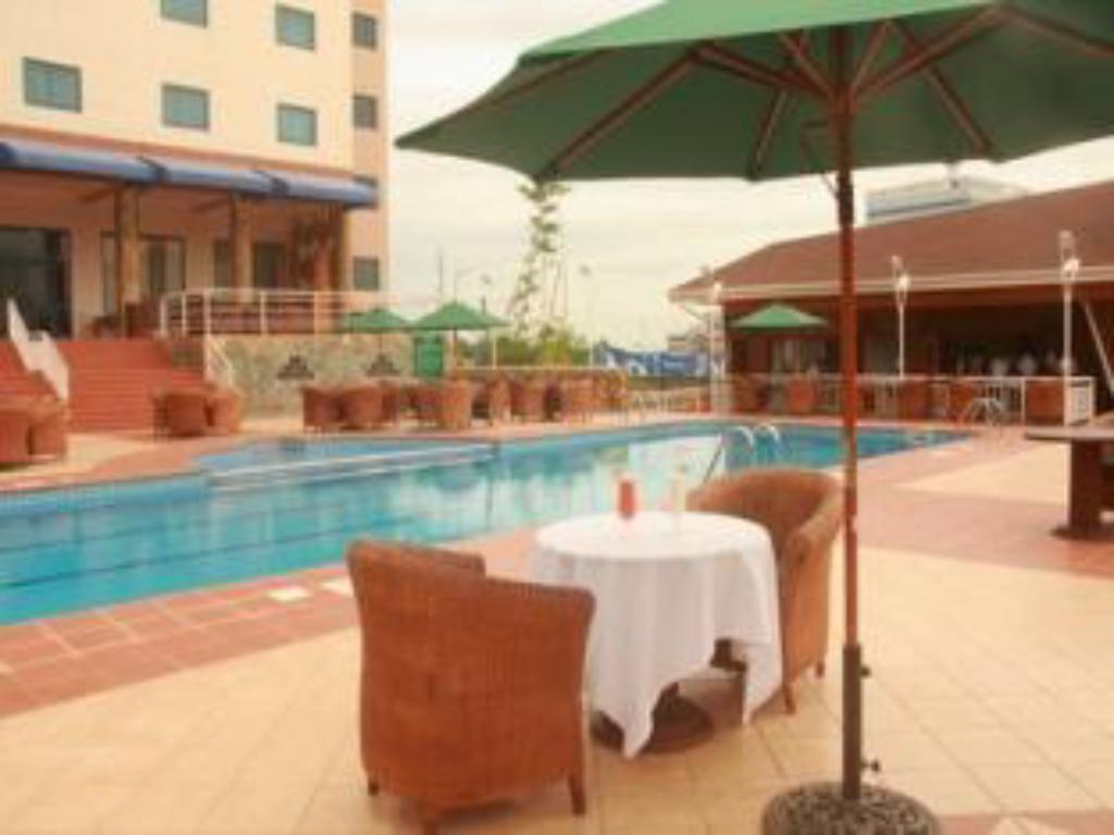 Bazén Holiday Inn Accra Airport