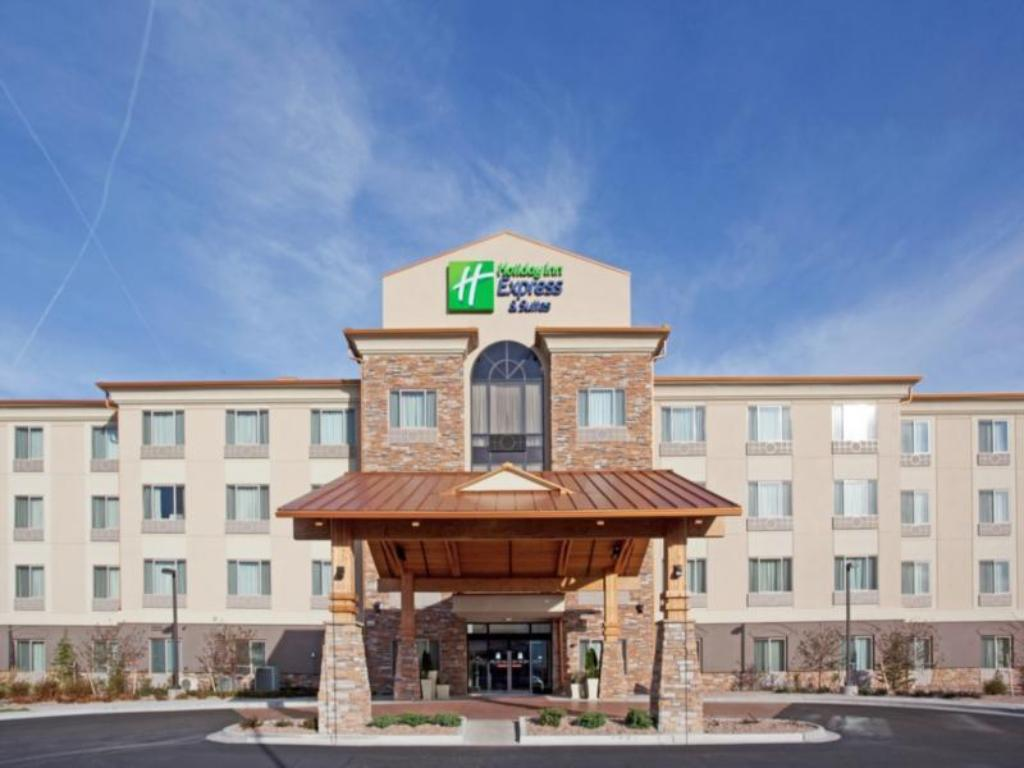 holiday inn express hotel suites denver airport in. Black Bedroom Furniture Sets. Home Design Ideas