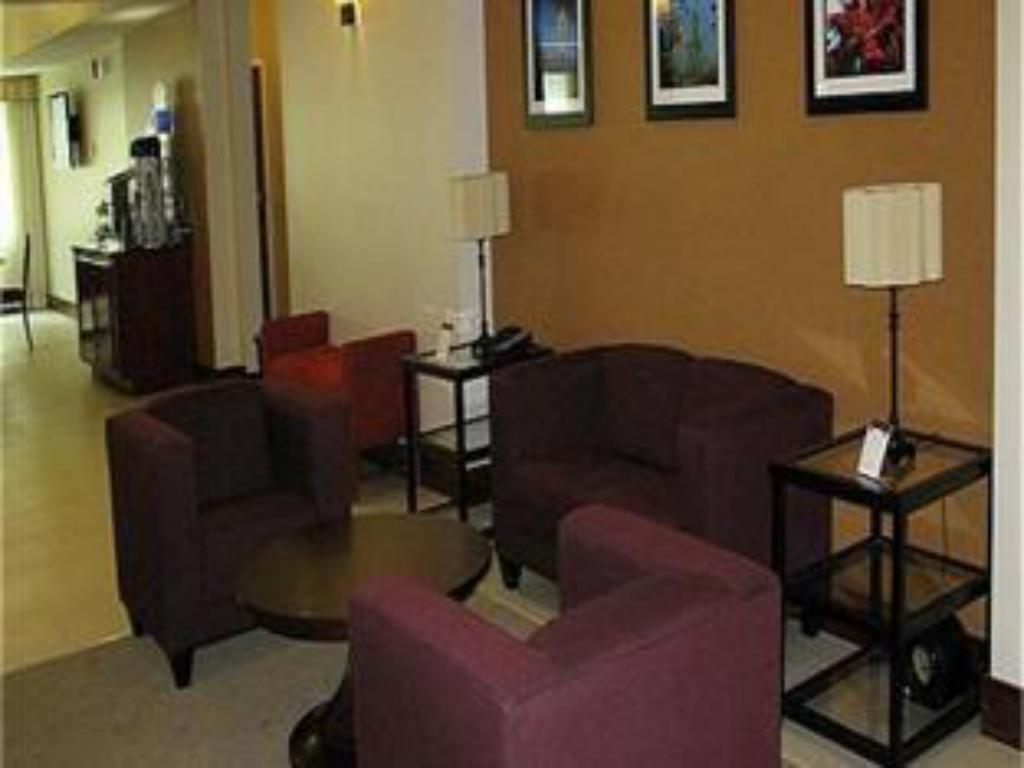 Lobby Holiday Inn Express Hotel & Suites Jacksonville - Mayport / Beach