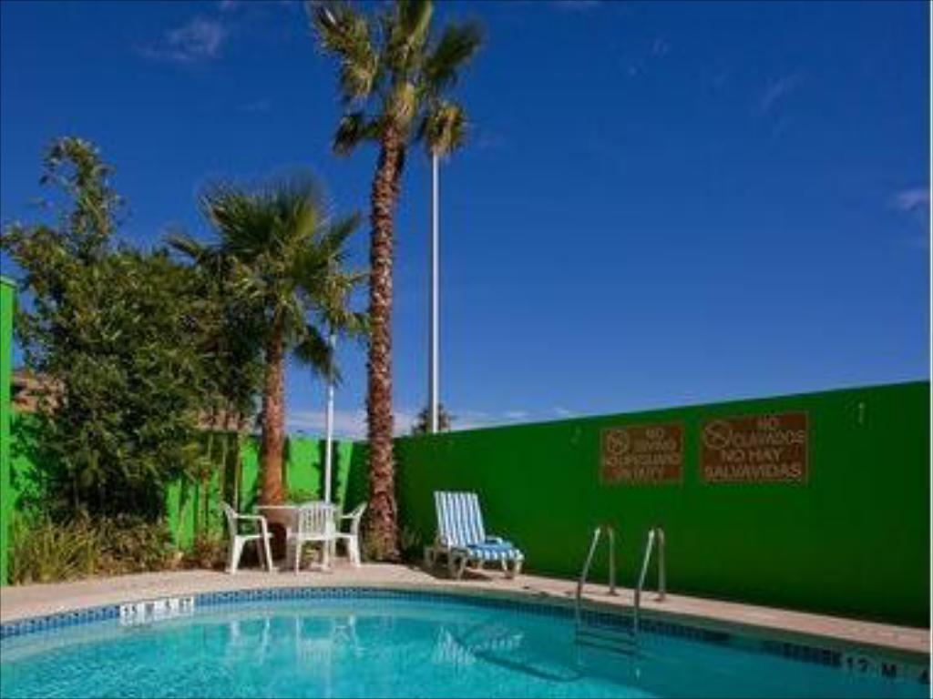 Best Price On Holiday Inn Express Hotel Suites Cd Juarez Las Misiones In Ciudad Juarez
