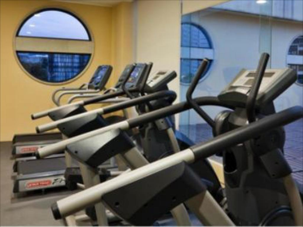 Fitness center Holiday Inn Express Mexico Santa Fe