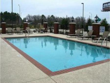 Swimming pool Holiday Inn Express Hotel and Suites Shreveport-West