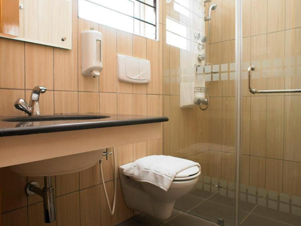Bathroom Perfect Haven @ OMR Residence