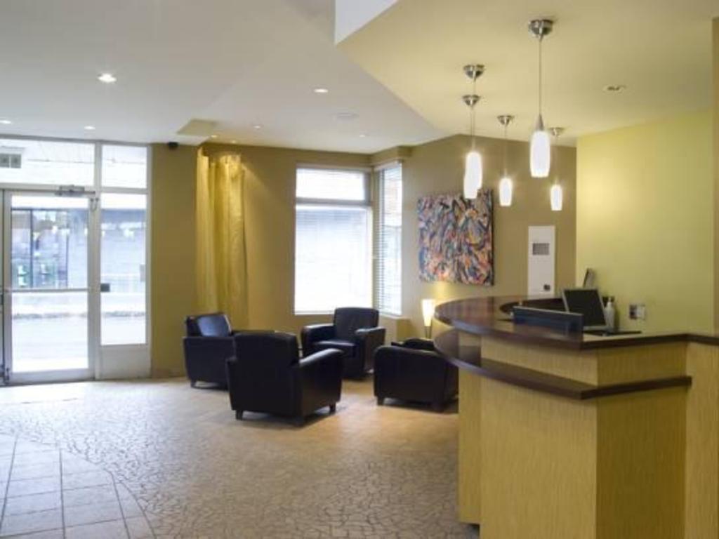 Hotel du nord in quebec city qc room deals photos for Decor hotel du nord