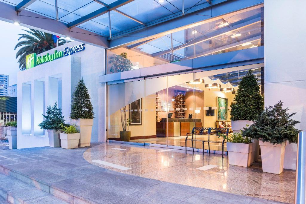 Vestíbul Holiday Inn Express Hotels & Suites Quito