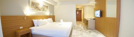 Kamar Superior King dengan Balkon Jolly Suites & Spa Hotel