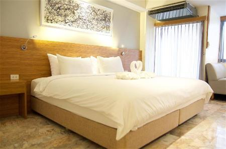 Tampilan interior Jolly Suites & Spa Hotel